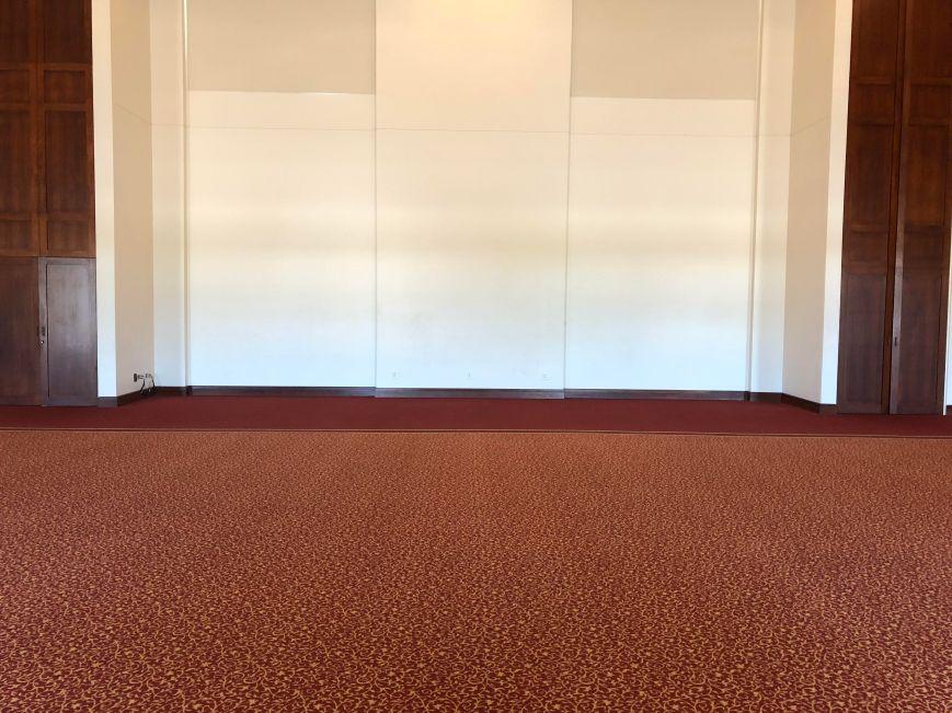 empty ballroom2